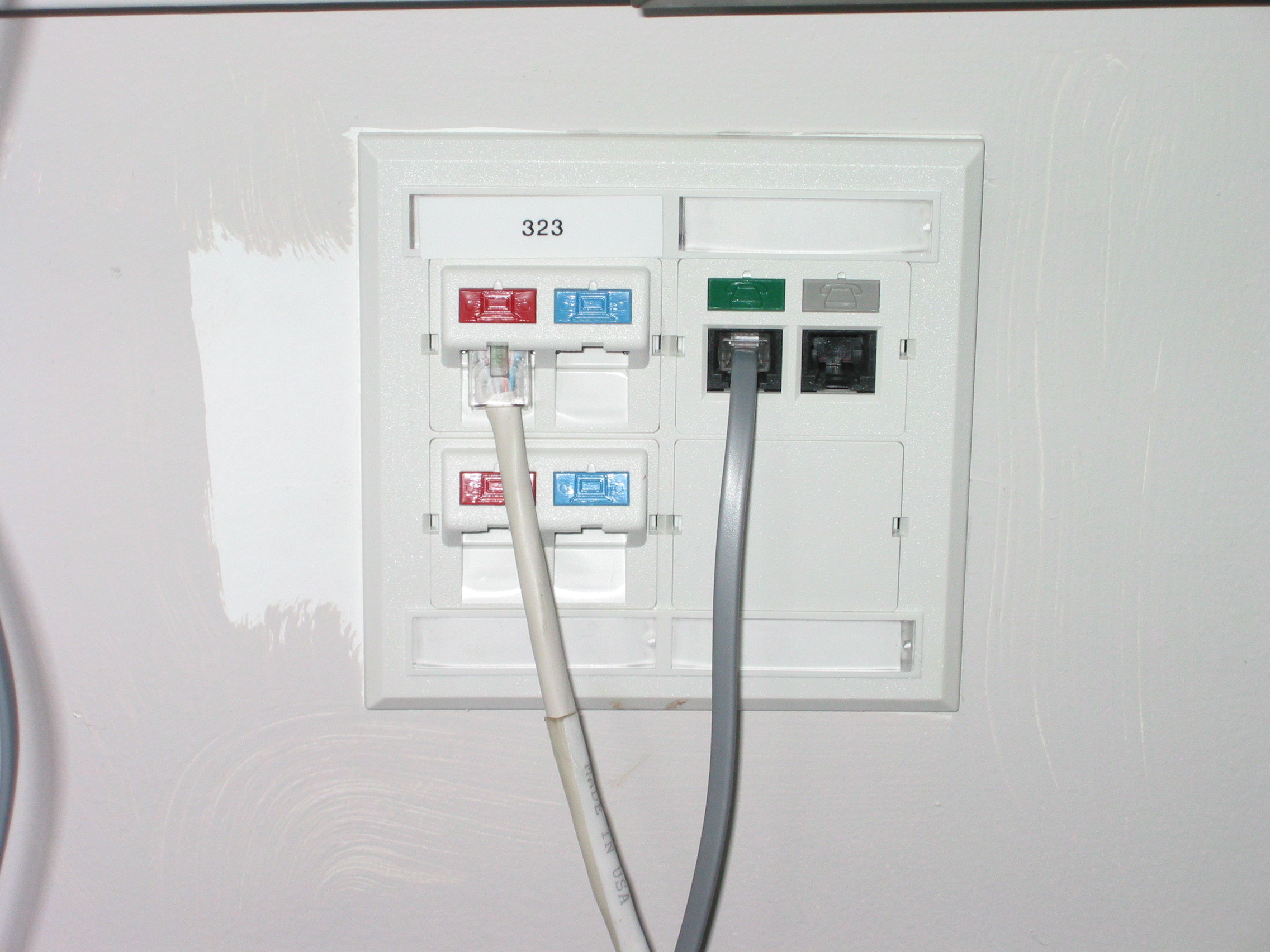 White Wallbox With 4 Data Ports